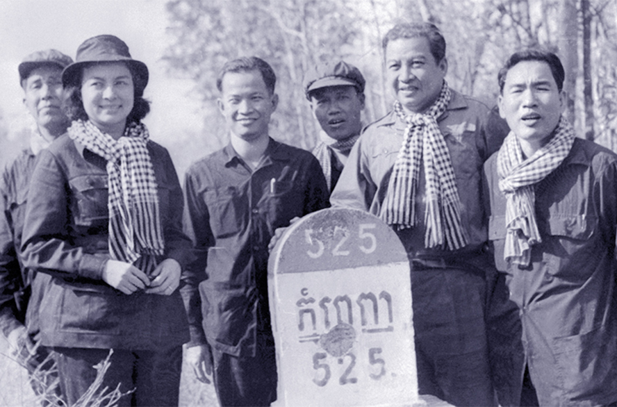 Sihanouk (second from right) poses with Khieu Samphan (third from left), a top Khmer Rouge leader, the Cambodian capital, in 1973.